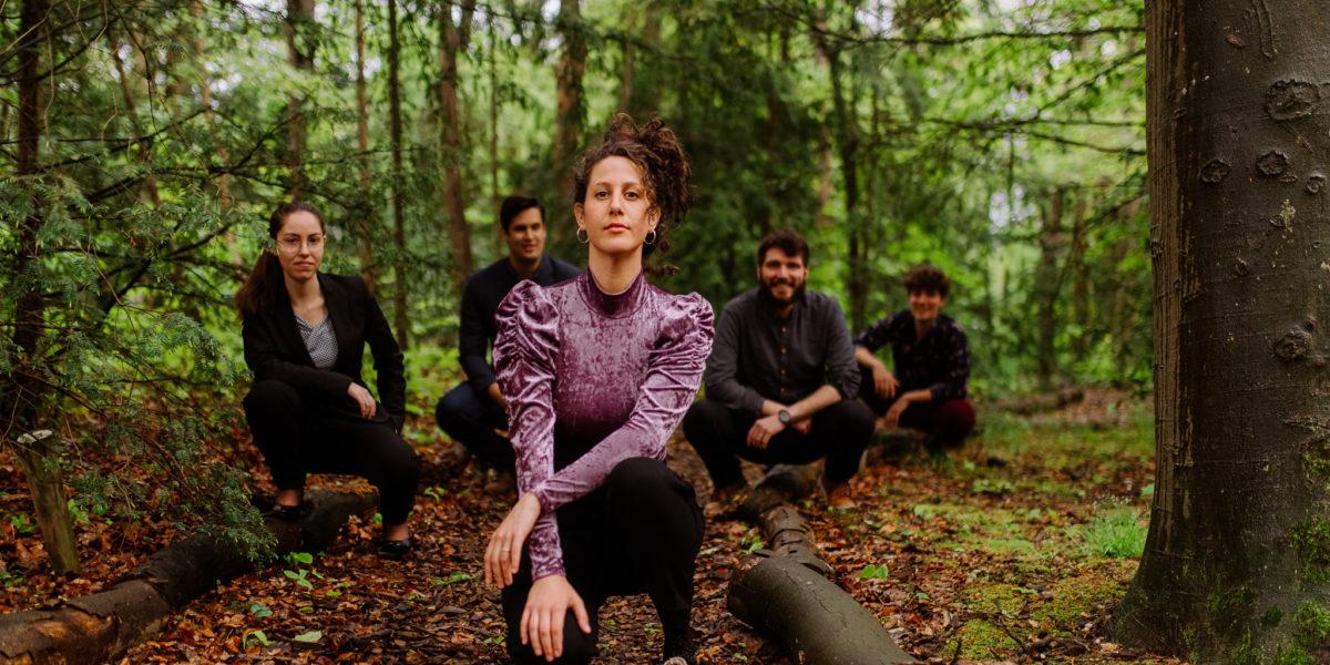 Hila Hutmacher Band & Gijs Idema (ft. ADAM Quartet & Anna Serierse) | Roode Bioscoop Sessies Live
